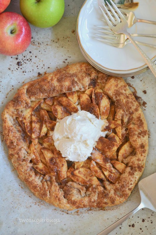 Cinnamon apple crostata with a scoop of ice cream