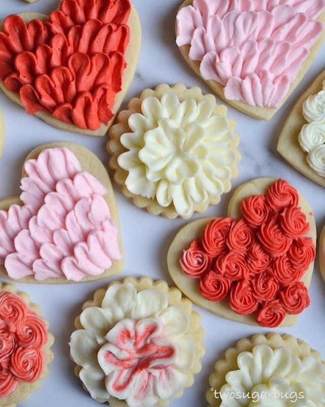 valentine decorated cookies