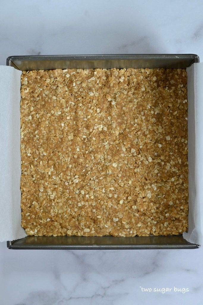 oat bottom in prepared baking pan