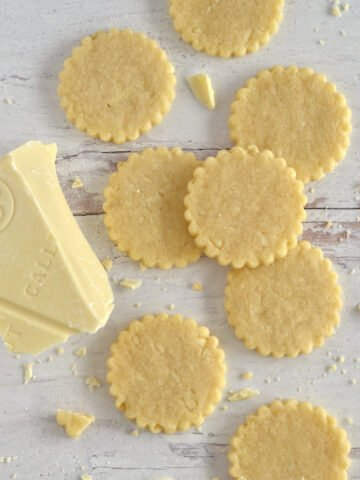 sugar cookies and white chocolate