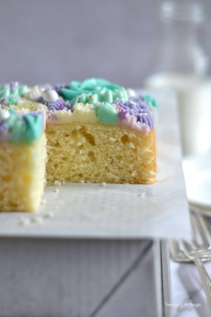 side view of vanilla snack cake