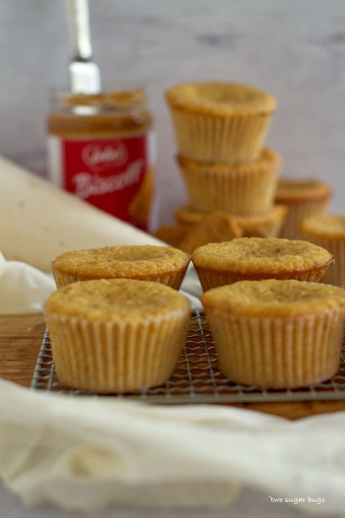 unfrosted biscoff cookie butter cupcakes