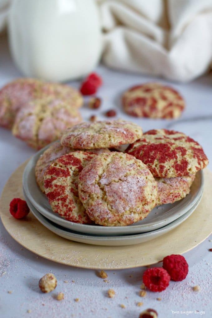 raspberry hazelnut cookies piled on a plate