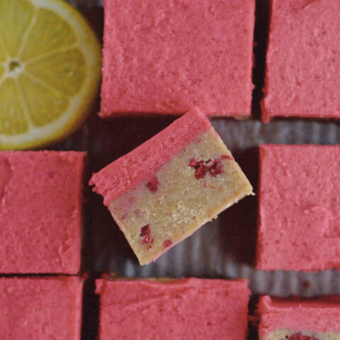 inside view of a lemon raspberry bar