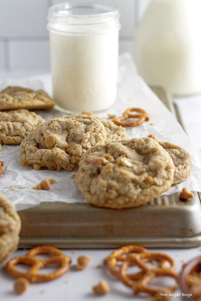 cookies on an upside down baking sheet