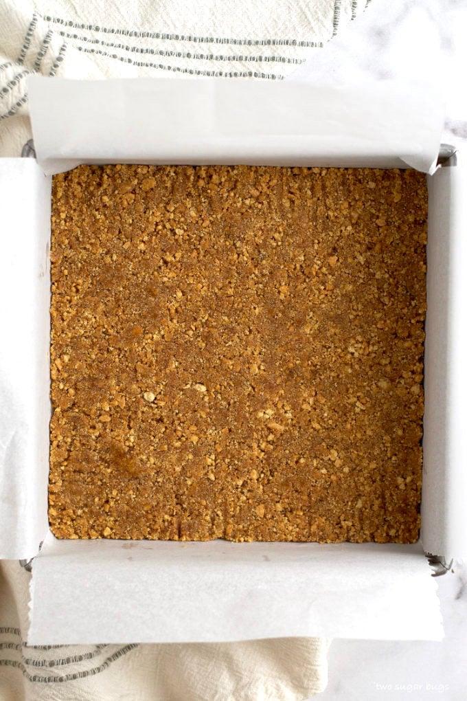 vanilla graham cracker crust pressed in a pan