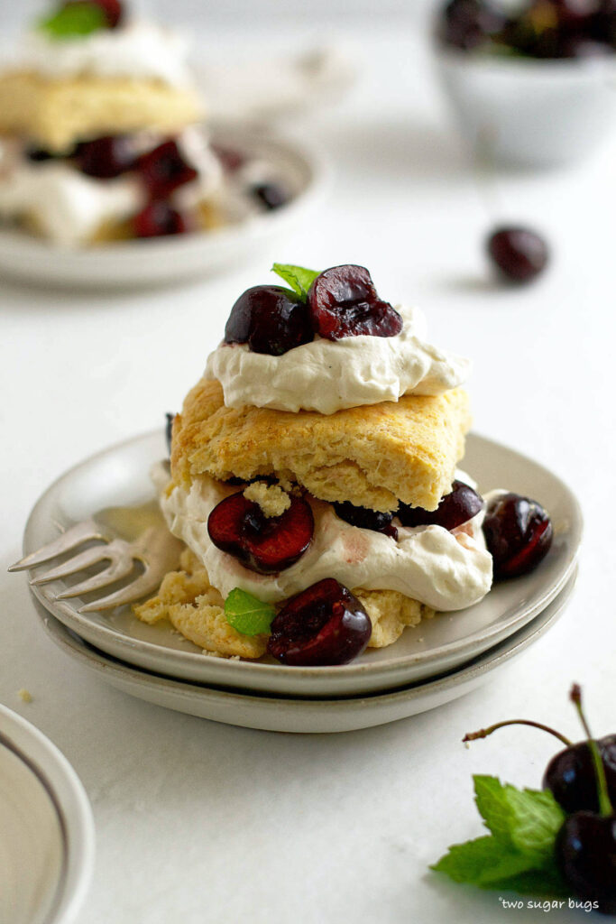 unclose look at cherry shortcake with vanilla biscuits
