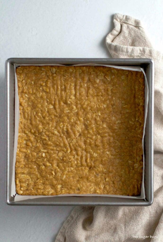 par baked oatmeal base for crumble bars